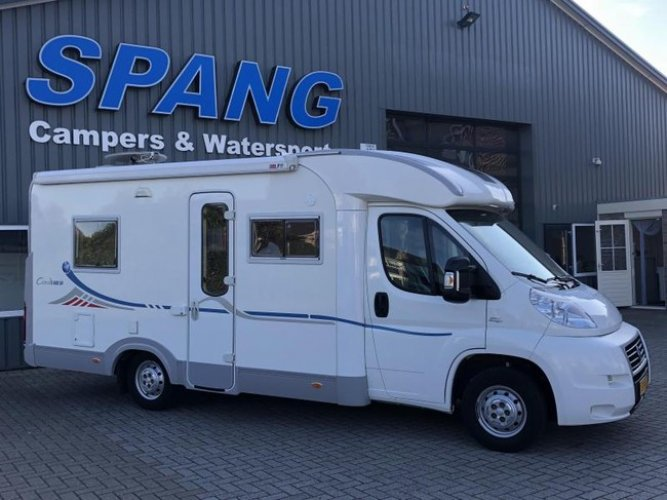 Adria Coral S 640 SP 2008 Compact, Frans bed