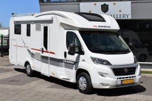 Adria MATRIX PLUS 670 SC QUEENSBED + HEFBED EURO5 FIAT