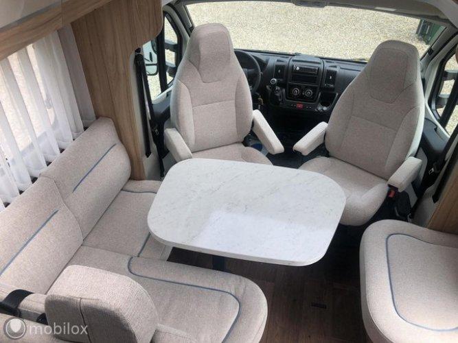 Hymer Tramp 698 Semi-intégré avec lit Queen, siège rond, L-Kitchen, etc. NOUVEAU camping-car !! photo:1