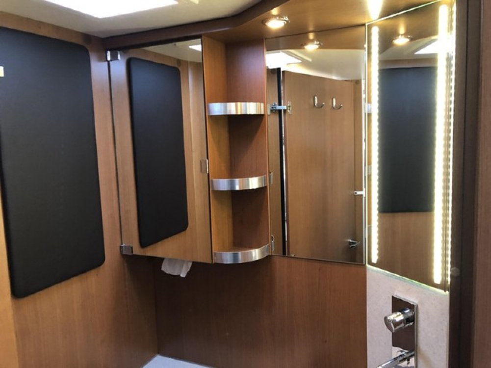 Knaus SUN TI 700 LEG Euroliner '14 Enkele bed foto: 19