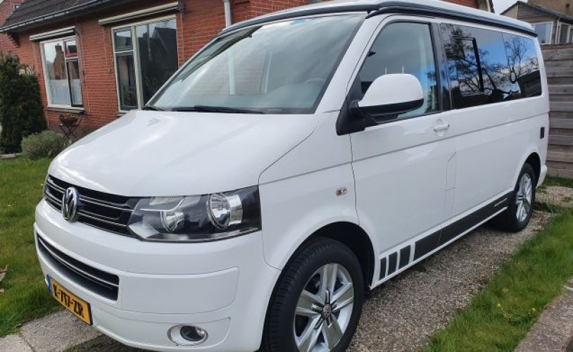 4 pers. Rent a Volkswagen camper in Eelde? From € 85 pd - Goboony photo: 0