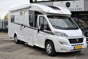 Dethleffs T 7150 SIXTEEN LIMITED QUEENSBED + FIETSENDRAGER FIAT