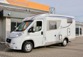 Burstner Travel van T570  (Airco, Garage, Standkachel).