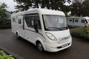 Hymer Exsis I 698 * Queensbed *