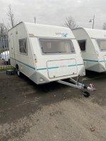 2 of 3 persoons stapelbed caravan Eifelland 395 met rondzit  Holiday