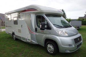Challenger Mageo 118 EB Queensbed 32000 km Garage 2012 Nieuwstaat