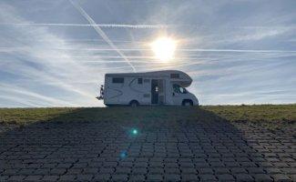6 pers. MClouis Twid  camper huren in Wemeldinge? Vanaf € 115 p.d. - Goboony