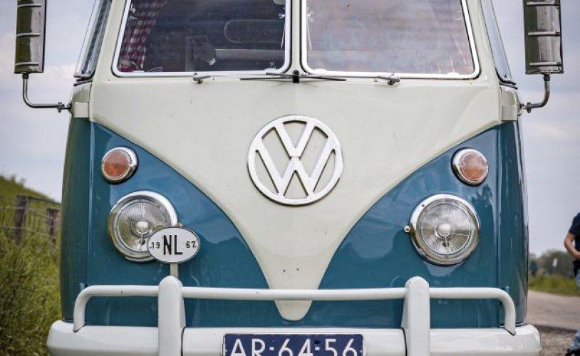 2 pers. Volkswagen camper huren in Hardinxveld-Giessendam? Vanaf € 606 p.d. - Goboony foto: 0