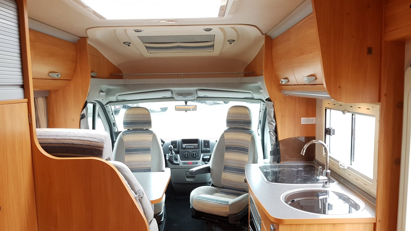 Adria Coral 640 SP 130pk Fransbed Airco Cruise Controle foto: 5