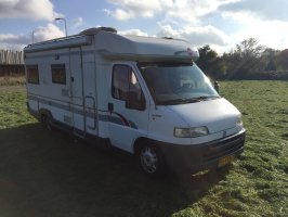 Burstner T627 Semi-integrated. 2.5 TDi 116pk * TOP STATE *